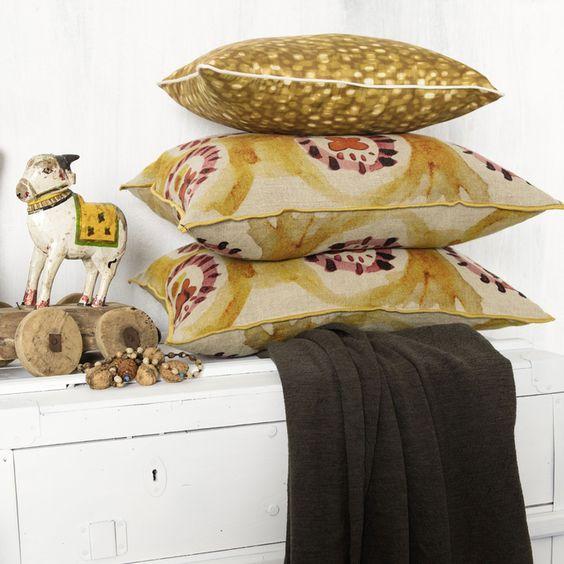 coussin elitis jaipur coussin sur canap. Black Bedroom Furniture Sets. Home Design Ideas