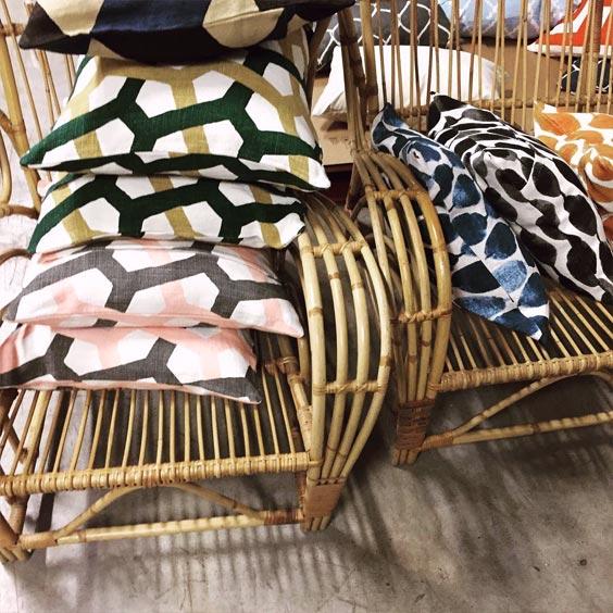 fauteuil rotin et coussin la combinaison parfaite coussin sur canap. Black Bedroom Furniture Sets. Home Design Ideas